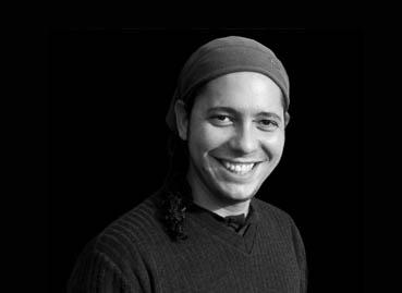 "Ondjaki, autor de ""Os da minha rua"""