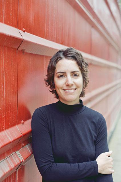 "Paloma Vidal, autora de ""Mar azul"""