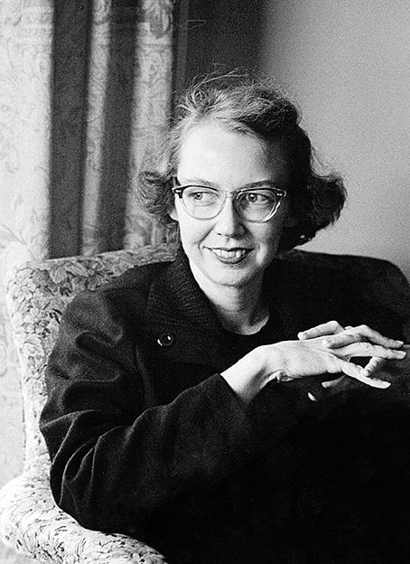 """Protegida por uma forte crença religiosa, ela escrevia seus romances e contos com a ajuda de um apuro estético-formal que não devia nada a um Faulkner e convicta de que o que fazia era impossível de ser reduzido a uma """"teoria"""" literária ou sociológica."""