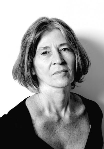 Elvira Vigna encerra a temporada 2013 do Paiol Literário