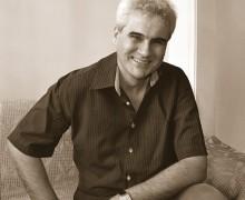 Alexandre Brandão, autor de Qual é, solidão?