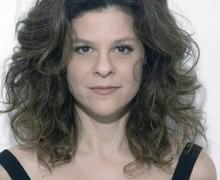 Luciana Pessanha, autora de Que tipo de homem escreve uma história de amor?