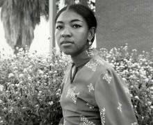 A poeta Ai Ogawa