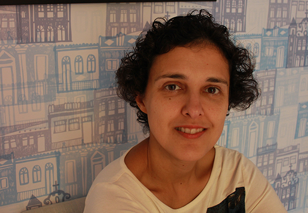 """Paula Fábrio: """"Difícil estabelecer limites para a realidade, ainda mais para a ficção""""."""
