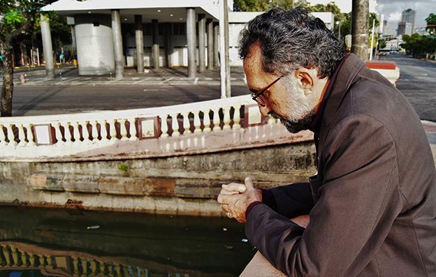 Ronaldo Correia de Brito, autor de Amor das sombras.