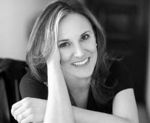 Luci Collin, autora de Nossa Senhora D'Aqui