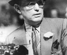 O escritor norte-americano Damon Alfred Runyon