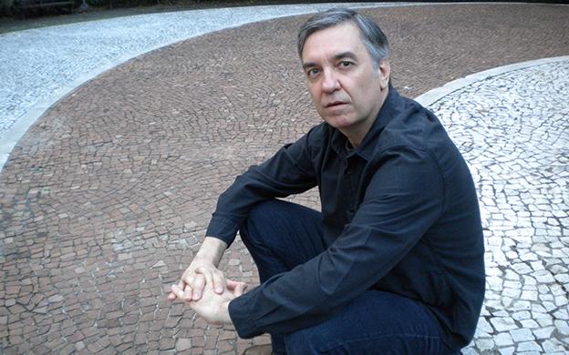 Sergio Vilas-Boas, autor de A superfície sobre nós