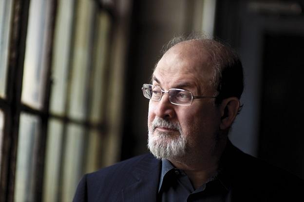 Salman Rushdie, autor de Dois anos, oito meses e 28 noites