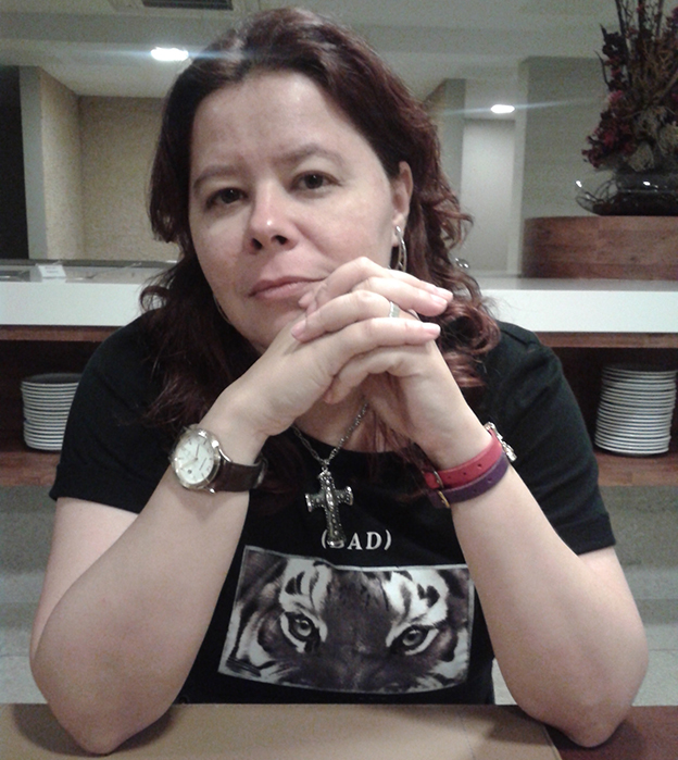 Állex Leilla, autora de Não se vai sozinho ao paraíso