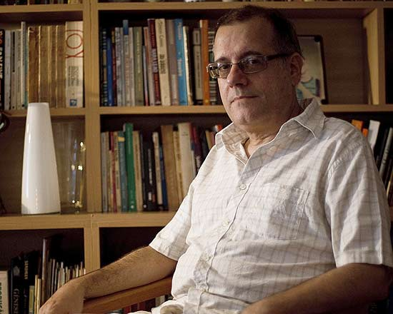 Paulo Henriques Britto, poeta brasileiro