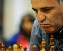 Garry Kasparov é um Grande Mestre e ex-campeão mundial de xadrez.