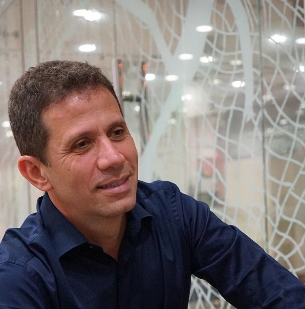 Roger Mello, autor de W