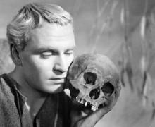Please... Hamlet tem 30 anos!