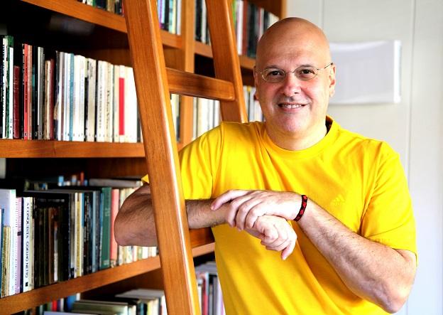 Alberto Mussa, autor de A hipótese humana