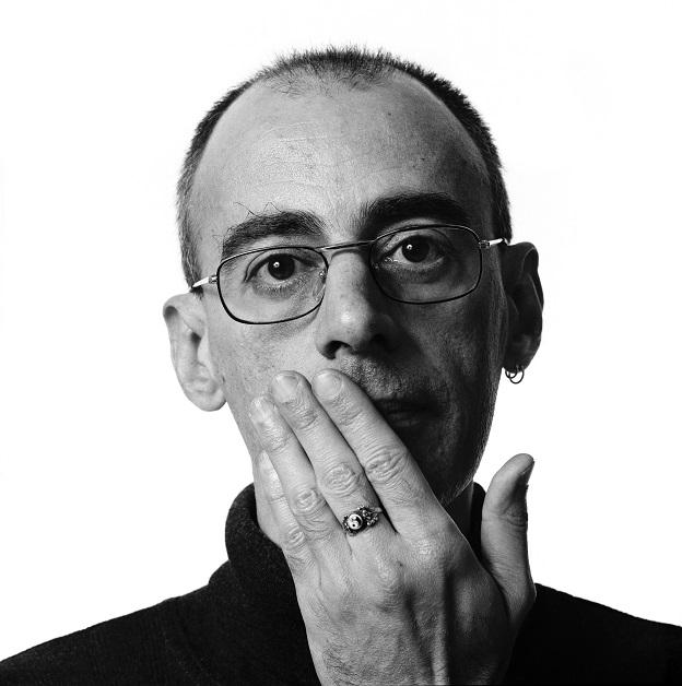 Caio Fernando Abreu, autor de Ovelhas negras.