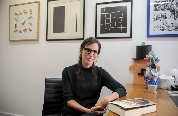 Lilia Moritz Schwarcz, autora de Lima Barreto: triste visionário.