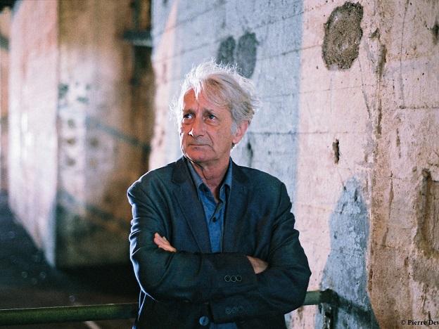 Patrick Deville, autor de Peste e cólera.