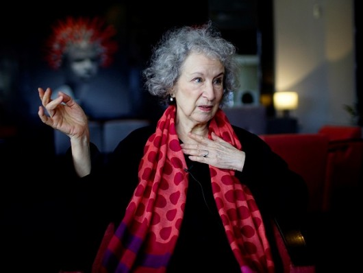 Margaret Atwood, autora de O conto da aia.