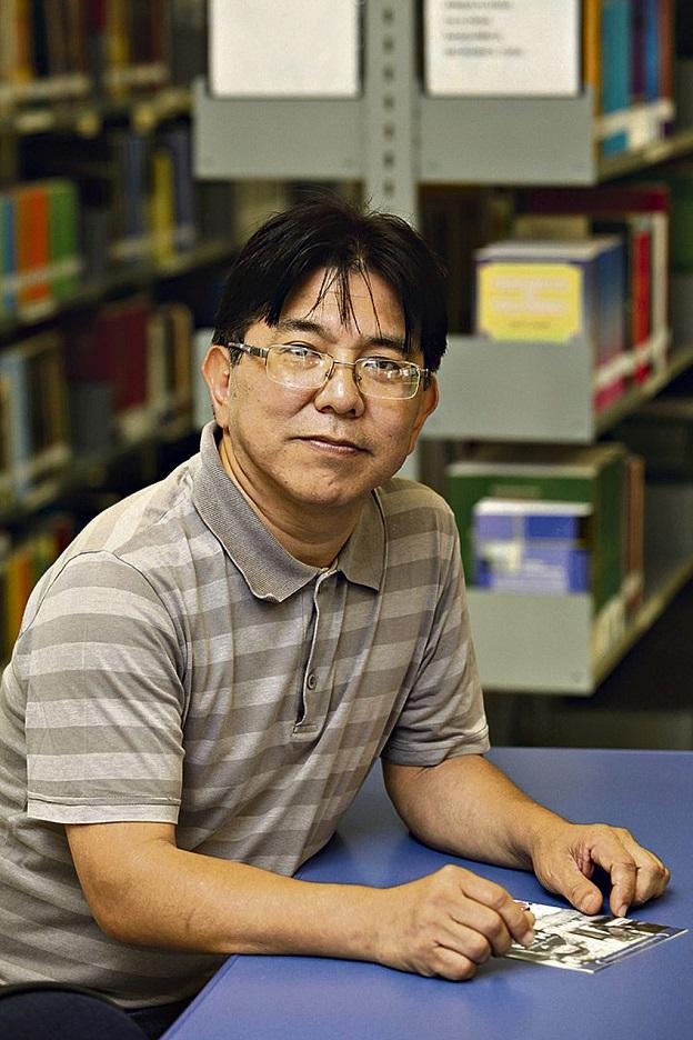 Oscar Nakasato, autor de Dois.