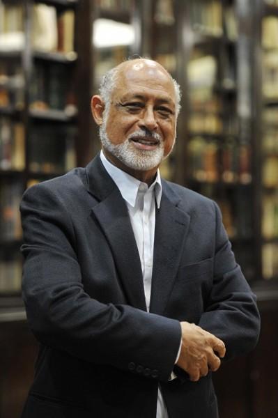 Domício Proença Filho, autor de Muitas línguas, uma língua.