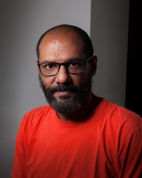 Carlos Eduardo Pereira, autor de Enquanto os dentes.