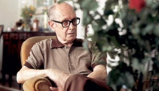 Carlos Drummond de Andrade, autor de Uma forma de saudade