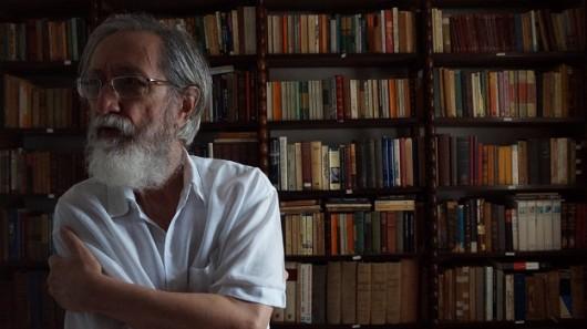 Reinaldo Santos Neves, autor de A longa história
