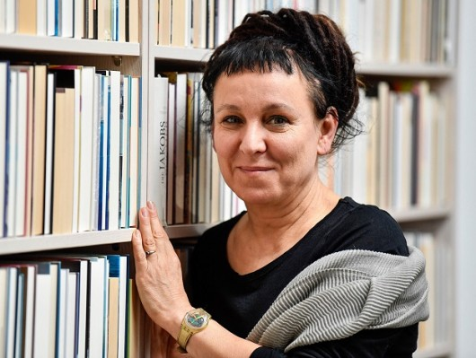 Olga Tokarczuk, autora de Sobre os ossos dos mortos