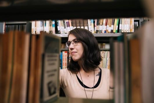 Luisa Geisler, autora de Enfim, capivaras