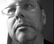 Elson Fróes, autor de Brinquedos que-brados