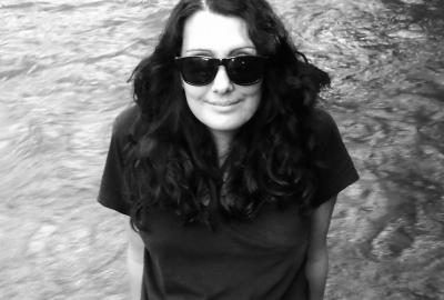 """Aline Daka, autora de """"Mulheres caídas"""""""