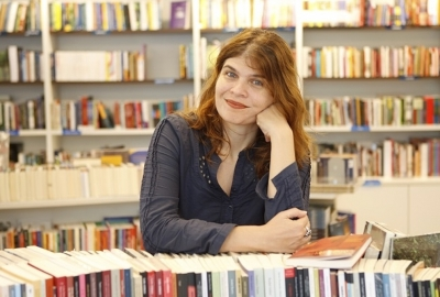 A escritora e roteirista Claudia Lage