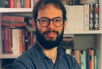 """Estevão Azevedo, autor de """"O dia em que meu prédio deu no pé"""""""