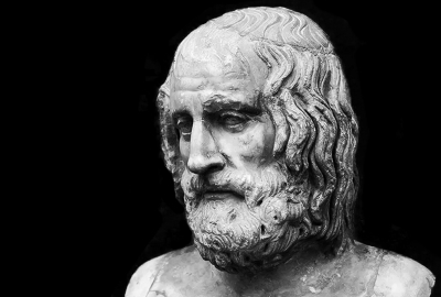 """Busto de Eurípides, autor de """"As troianas"""""""