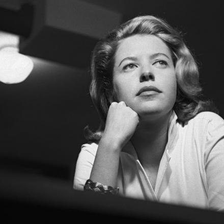 Hilda Hilst completaria 91 anos nesta quarta-feira (21)