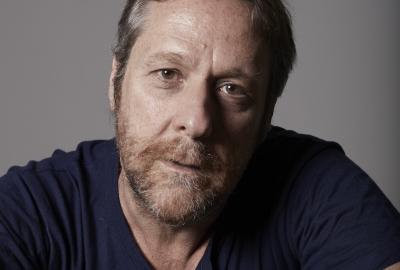"""Juliano Garcia Pessanha, autor de """"O filósofo no porta-luvas"""""""