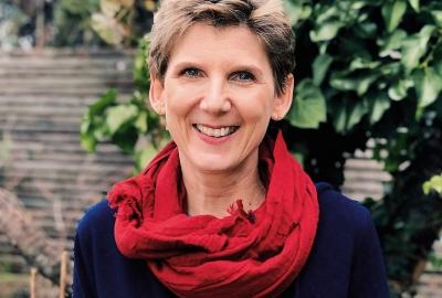 "Laura Baldini, autora de ""Maria Montessori: professora de uma era"""