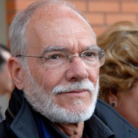 O angolano José Luandino Vieira é fundamental na expansão, rejuvenescimento e recriação da língua portuguesa
