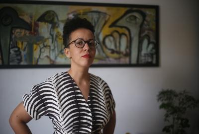"""Lubi Prates, autora que participa da 6ª edição do projeto """"A Palavra Líquida"""", a partir desta terça (5)"""