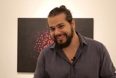 """Omar Salomão, autor de """"Flutua sobre as ruínas, flutua"""""""