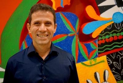 O ilustrador Roger Mello, que concorre ao prêmio ALMA 2022