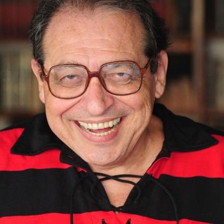 Ruy Castro, que completa 50 anos de jornalismo neste ano, abre o Paiol Literário