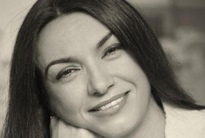 Isabel Lucas, autora de