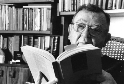 O editor, escritor e tradutor Jacó Guinbursg